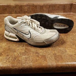 Nike Max Air - Size 7